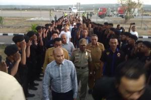 Tiba di Kupang Pakai Jet Pribadi, Viktor Laiskodat Disambut ASN dan Pengurus