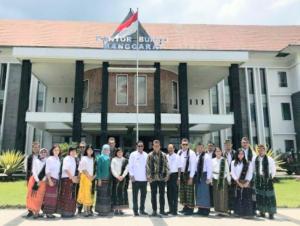 Bupati Manggarai Ajak Sesparlu Promosi Kekayaan Lokal Manggarai ke Mancanegara