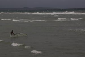 BMKG Ungkap Perairan NTT Akan Dilanda Gelombang 4-5 Meter