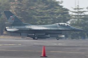 TNI Terbangkan 4 Pesawat Tempur Pantau Perairan Natuna