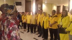 Melky Laka Lena Ingatkan Kader Golkar Penuhi Janji Politik