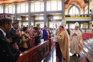 Uskup Ruteng Keluarkan Instruksi Penanganan Corona, Misa Minggu Ditiadakan